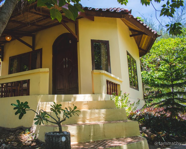 Deluxe Family Bungalow at Bara Beach Bungalows