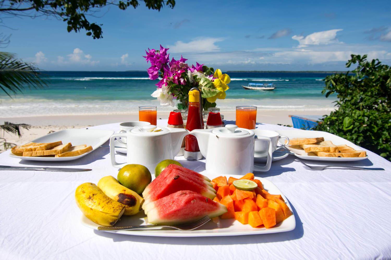 Breakfast at Bara Beach